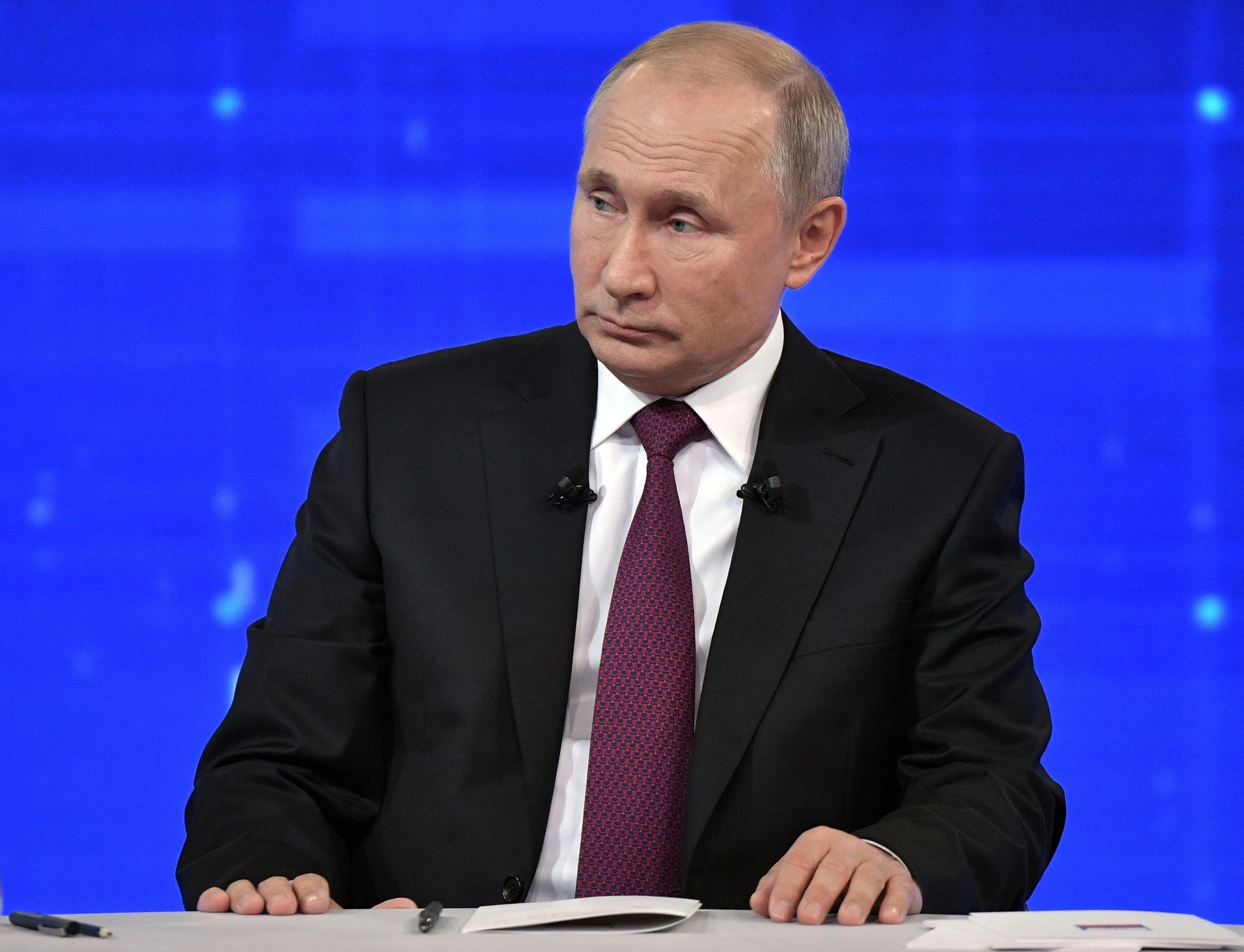 Putin questions hacking report after Trump cries 'fake news'