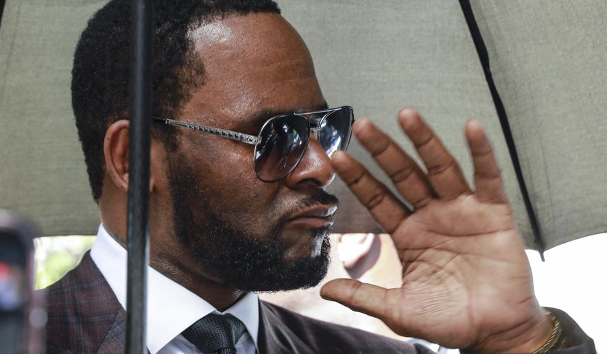 If R. Kelly somehow learned of Jeffrey Epstein's death, it was likely by word-of-mouth. (Associated Press/File)