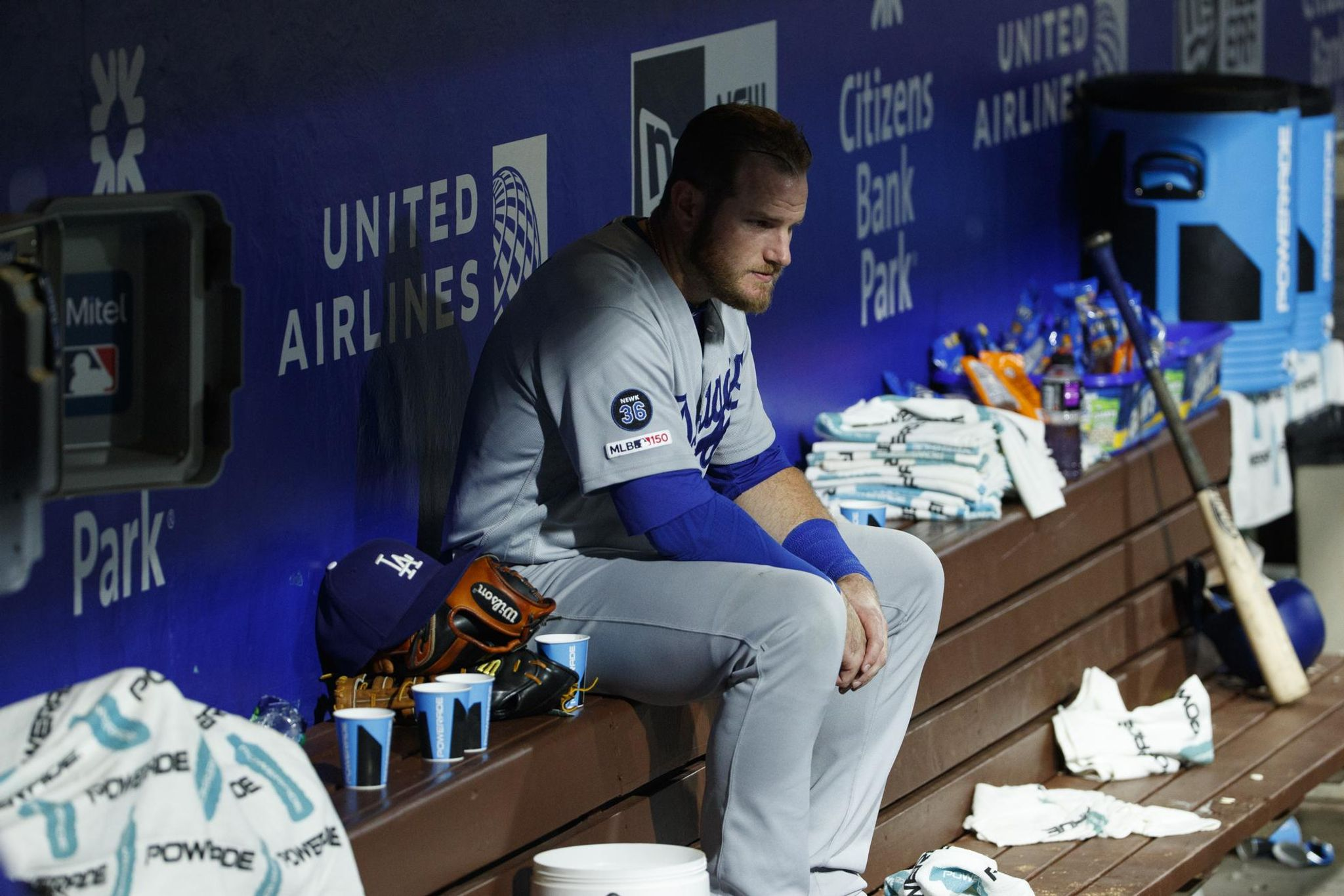 Dodgers_phillies_baseball_34563_s2048x1366