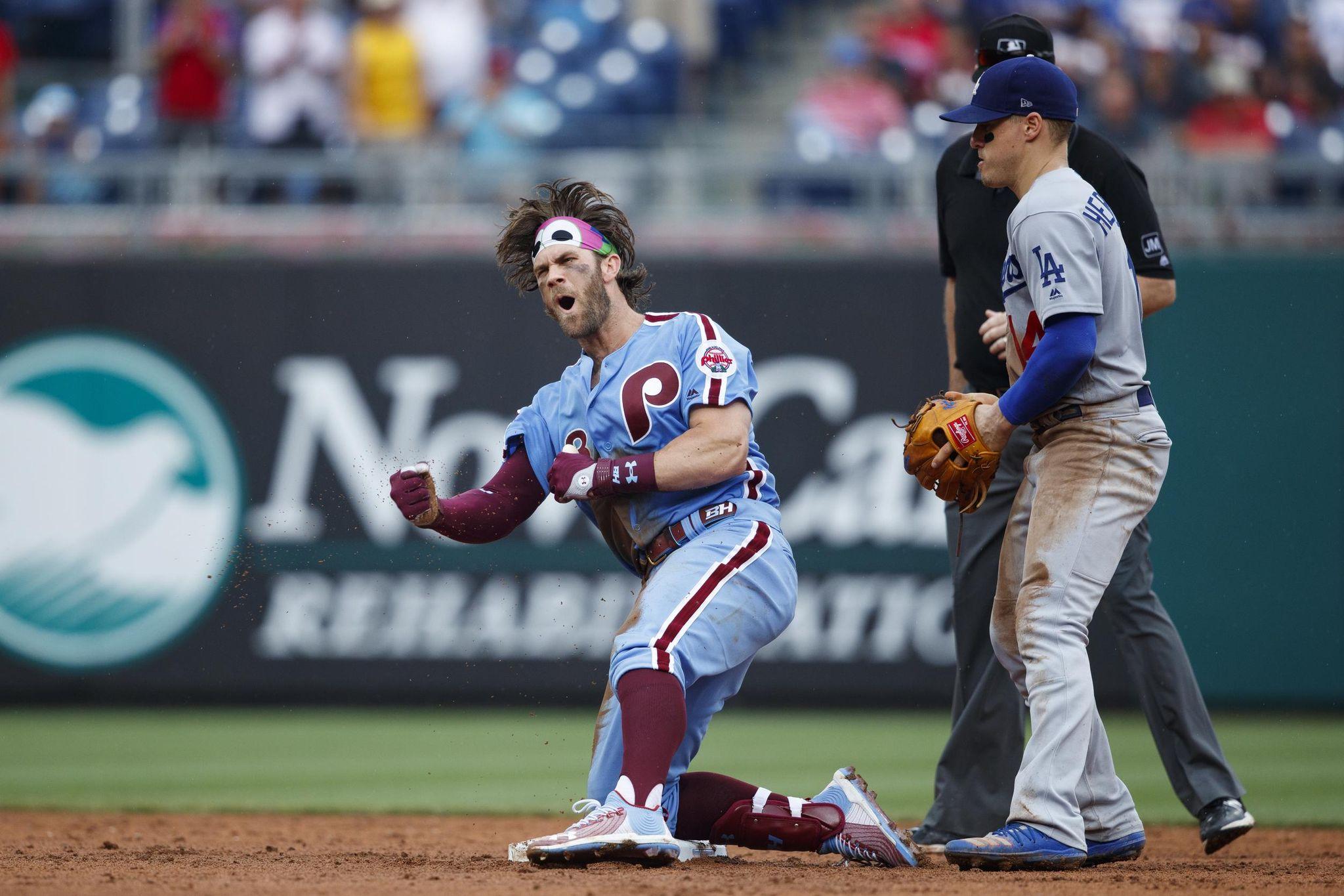 Dodgers_phillies_baseball_21879_s2048x1365