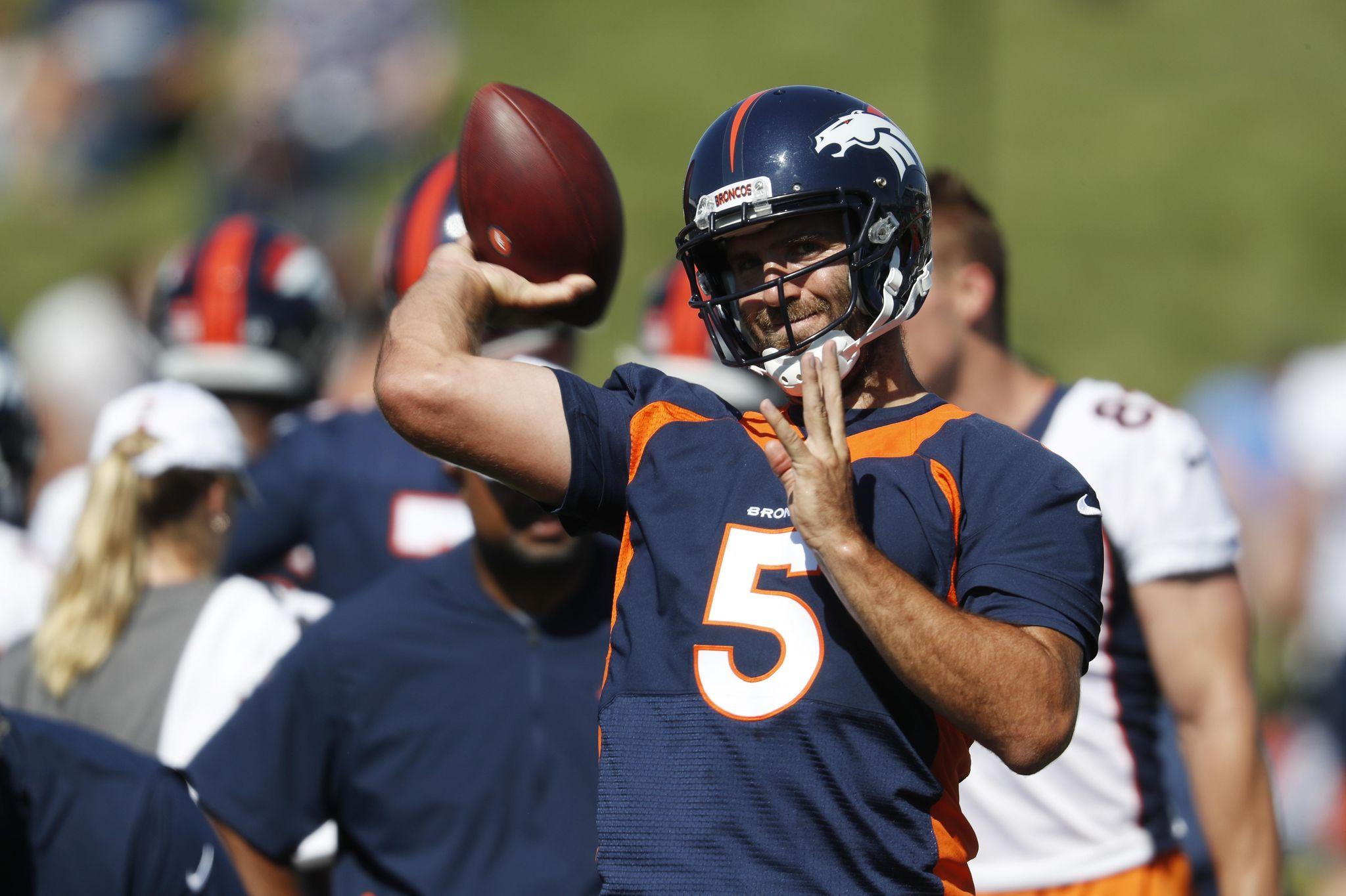 Broncos_camp_football_50787_s2048x1365