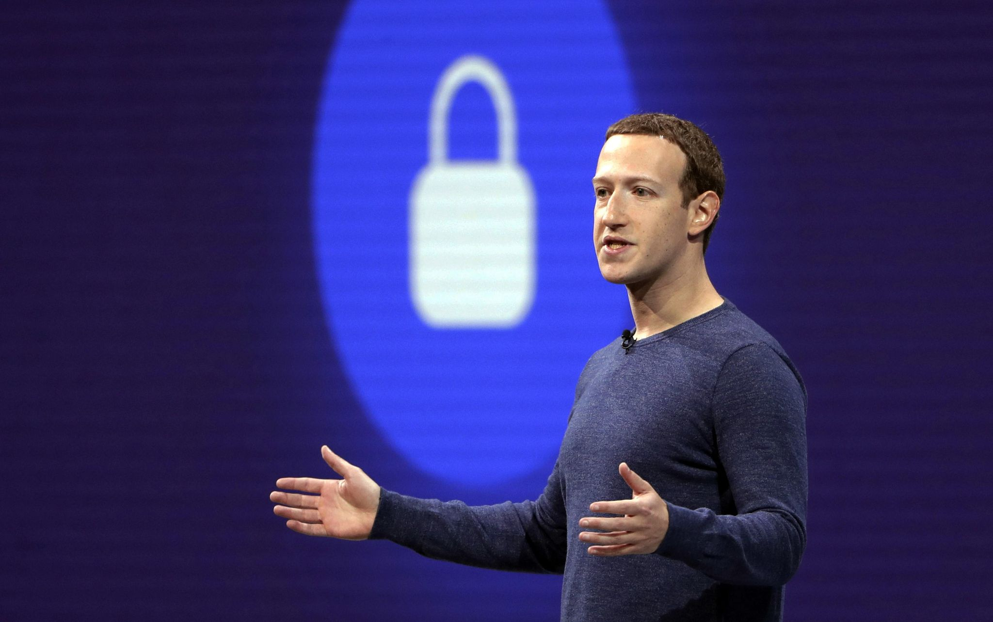 Mark Zuckerberg to hire 'seasoned journalists' to curate Facebook news section