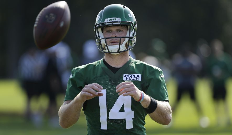 New York Jets quarterback Sam Darnold participates in a practice at the NFL football team's training camp in Florham Park, N.J., Friday, July 26, 2019. (AP Photo/Seth Wenig)