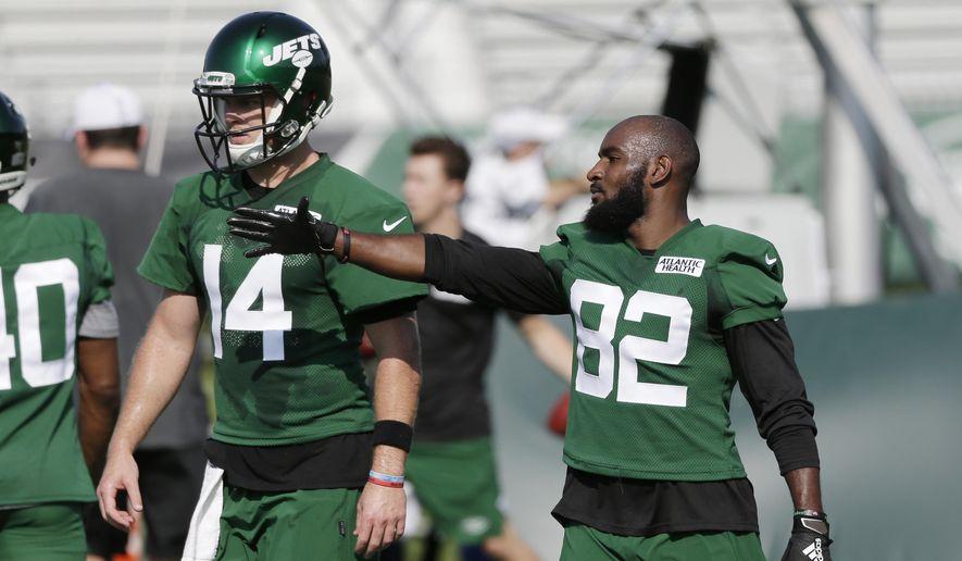 Jamison Crowder Leaves Jets Practice With Foot Injury