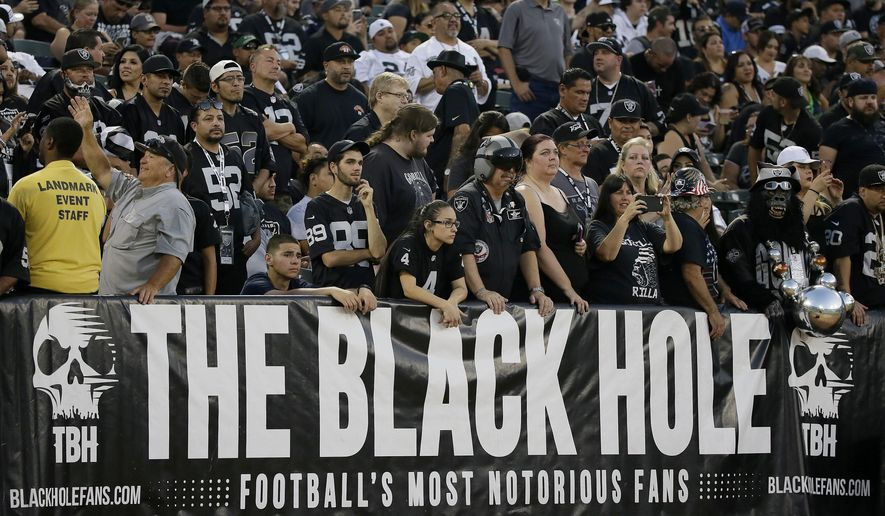 67501ae5 NFL At 100: Raiders' slow exit from Oakland painful for fans ...