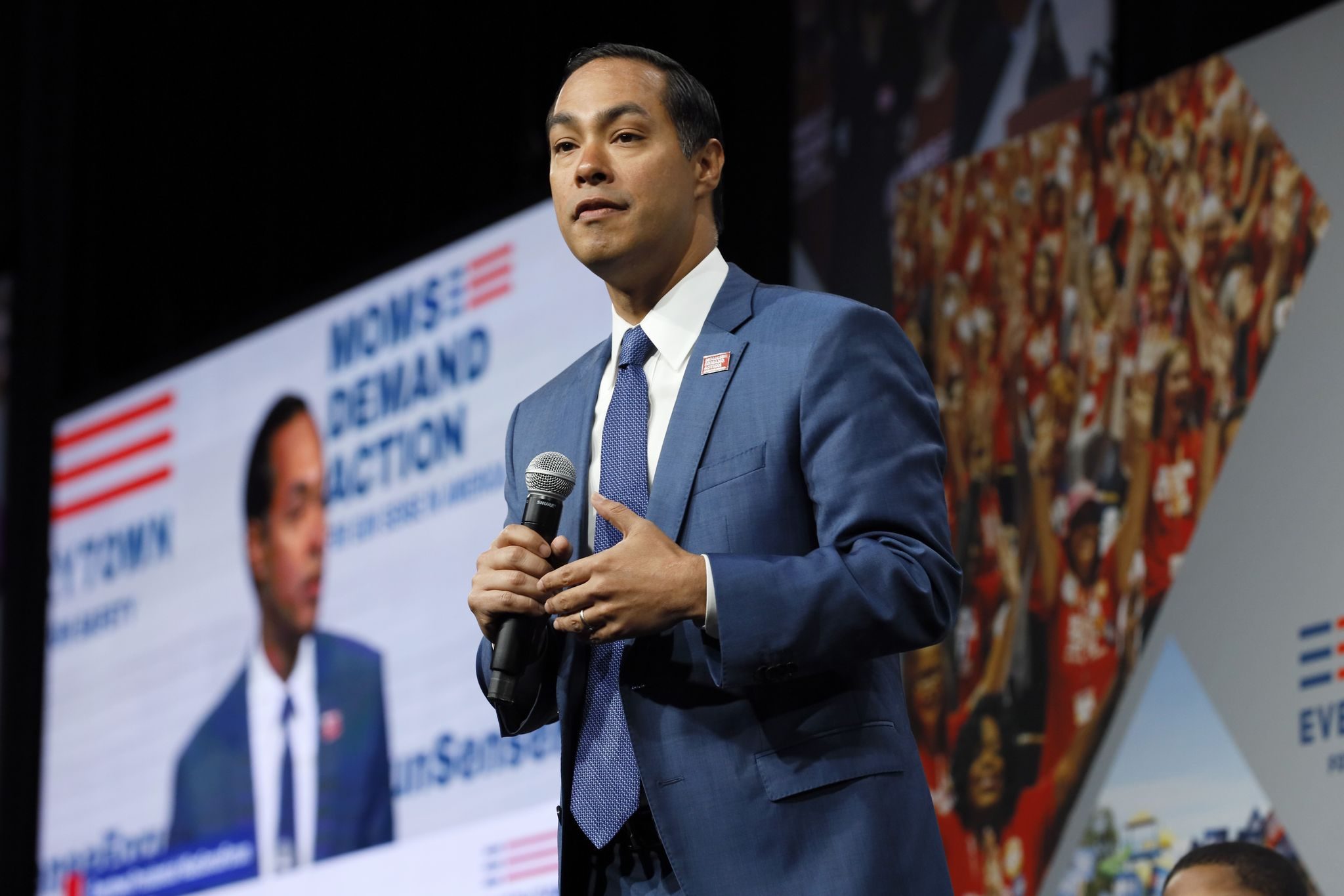 Julian Castro targets airwaves at Trump's New Jersey club with new ad
