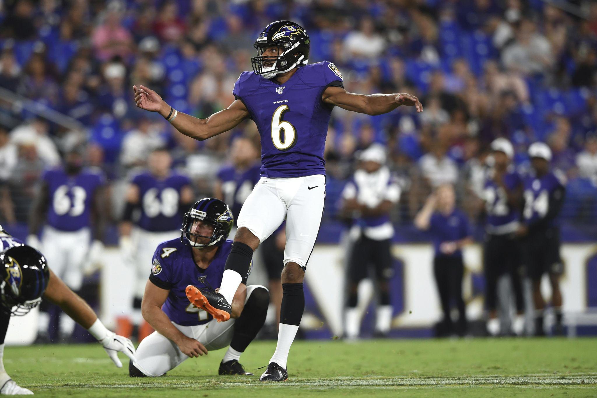 Ravens_vikings_trade_football_47198_s2048x1365