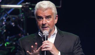 John O'Hurley performs, Saturday, Dec. 7, 2013, in Phoenix, Arizona. (Rick Scuteri/AP Images) ** FILE **