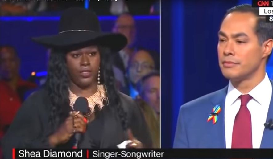 "Shea Diamond accuses CNN's Nia-Malika Henderson of ""violence"" during the network's LGBTQ town hall, Oct. 10, 2019. The audience member's name was mispronounced. (Image: CNN screenshot)"
