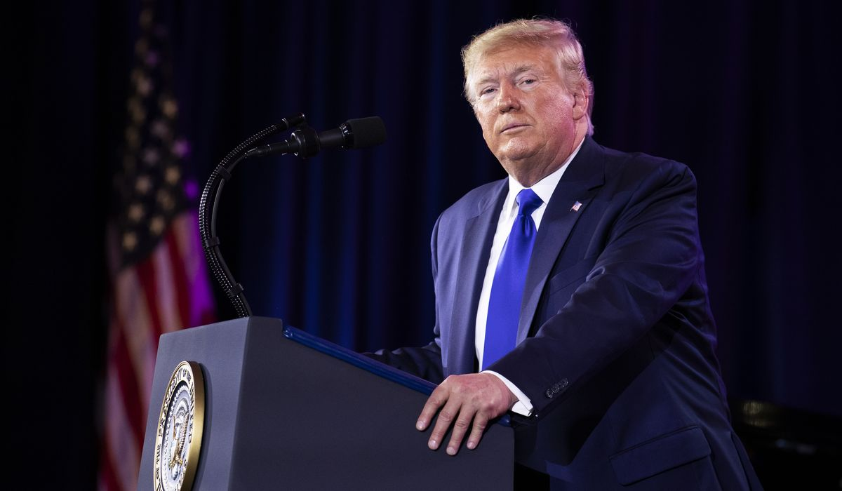 Donald Trump scolds the left as 'crazy,' says Speaker Pelosi 'hates our nation' thumbnail