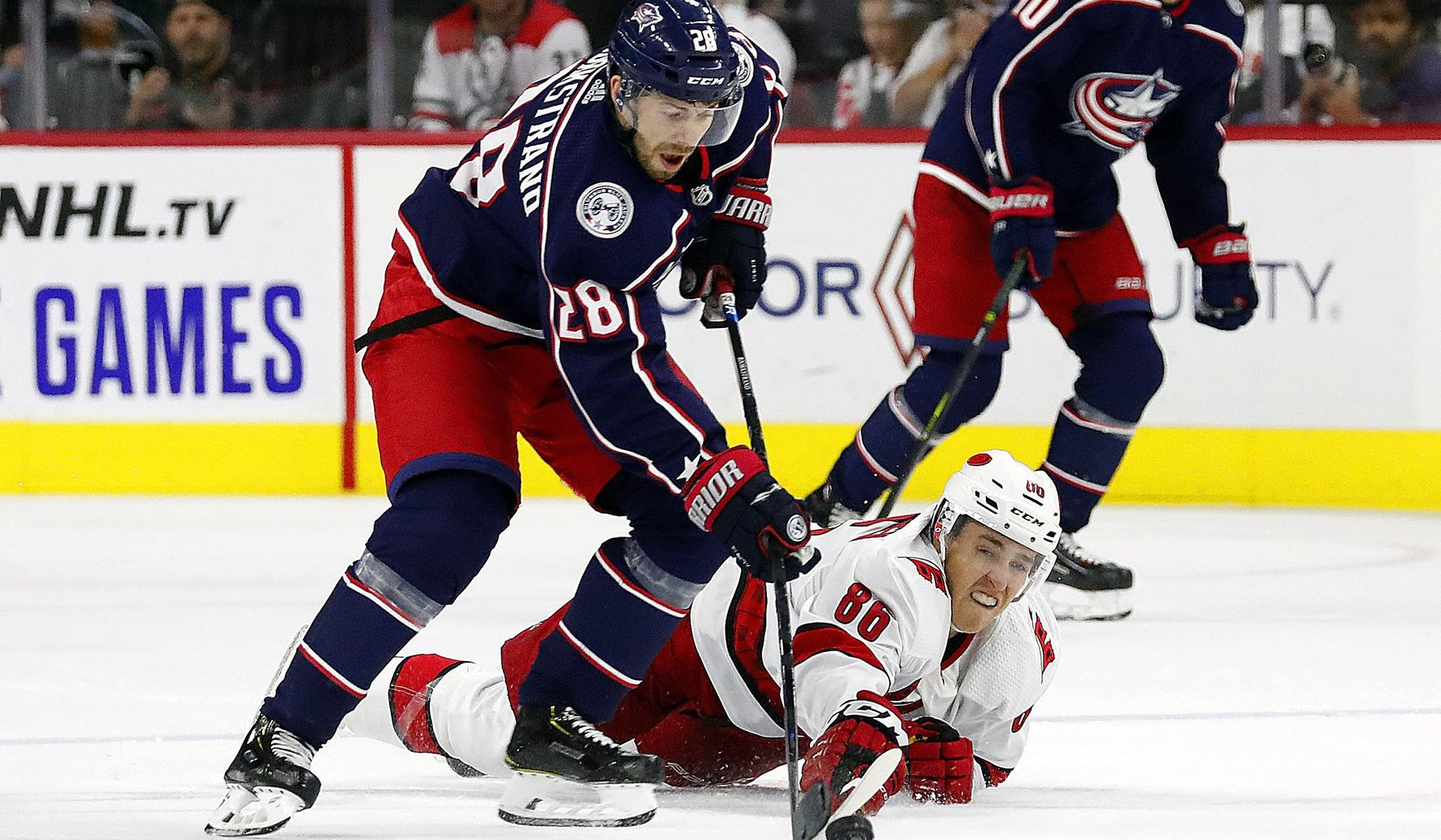Blue_jackets_hurricanes_hockey_95210_c0-107-2578-1610_s1770x1032