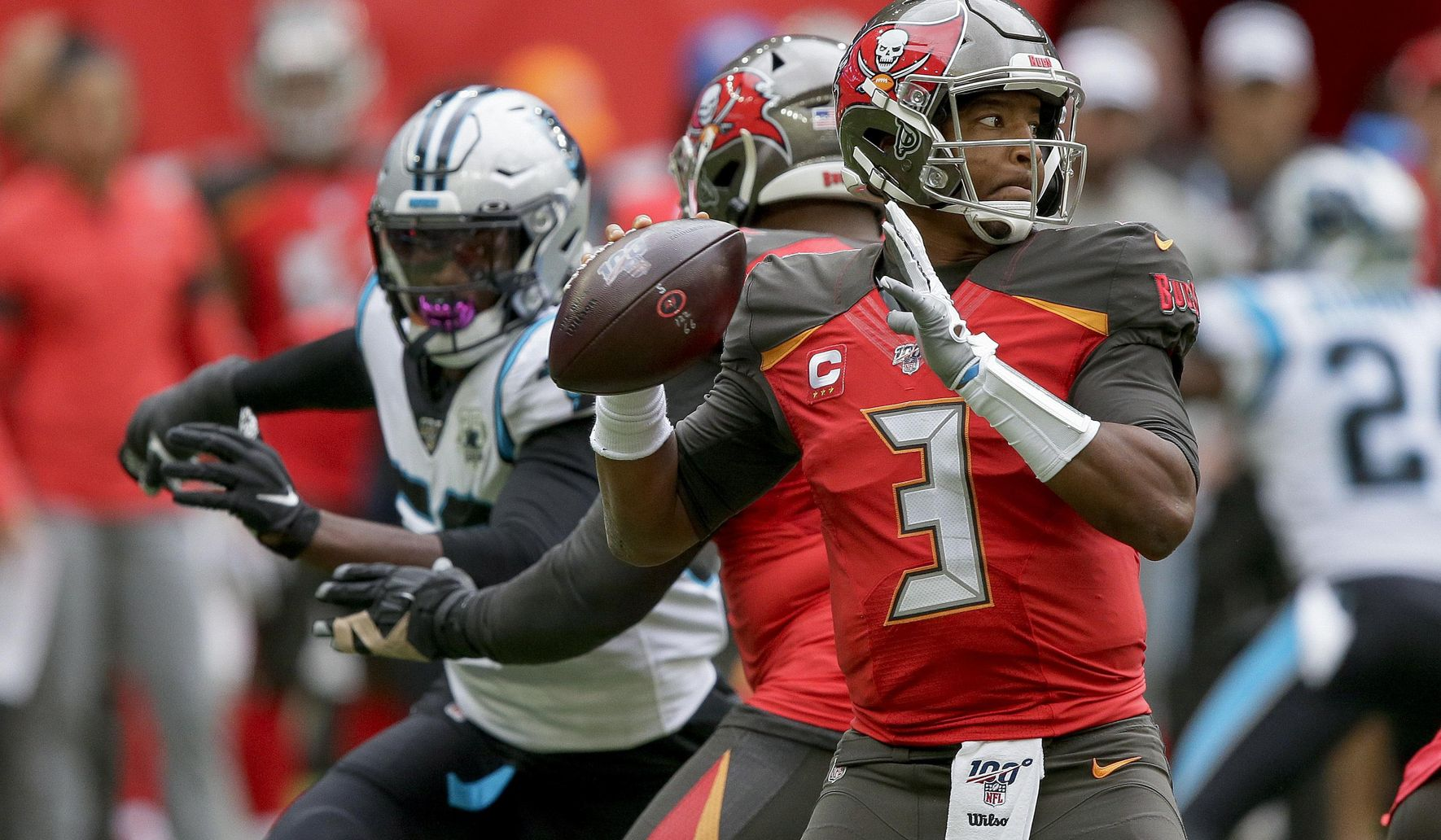 Panthers_buccaneers_football_99821_c0-142-3383-2114_s1770x1032
