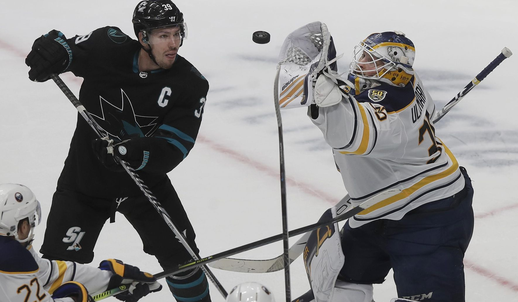 Sabres_sharks_hockey_91532_c0-125-3000-1874_s1770x1032