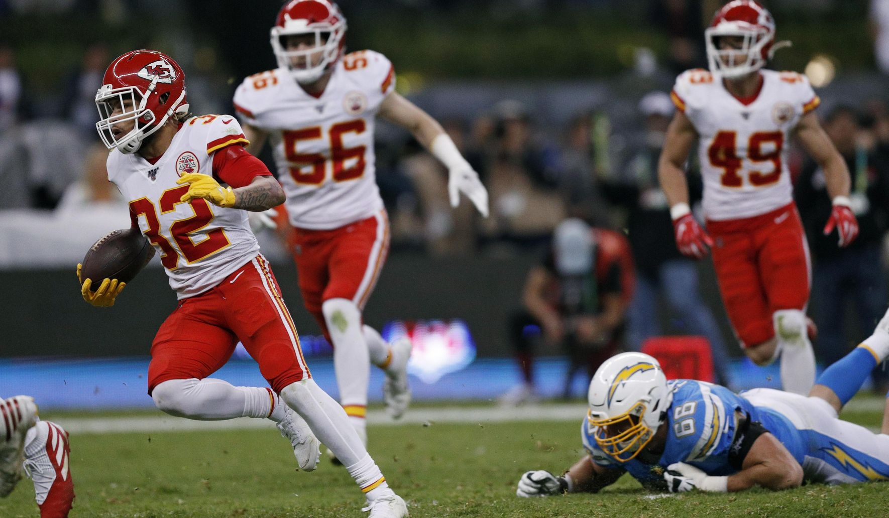 Mexico_chiefs_chargers_football_57618_c0-194-4630-2893_s1770x1032