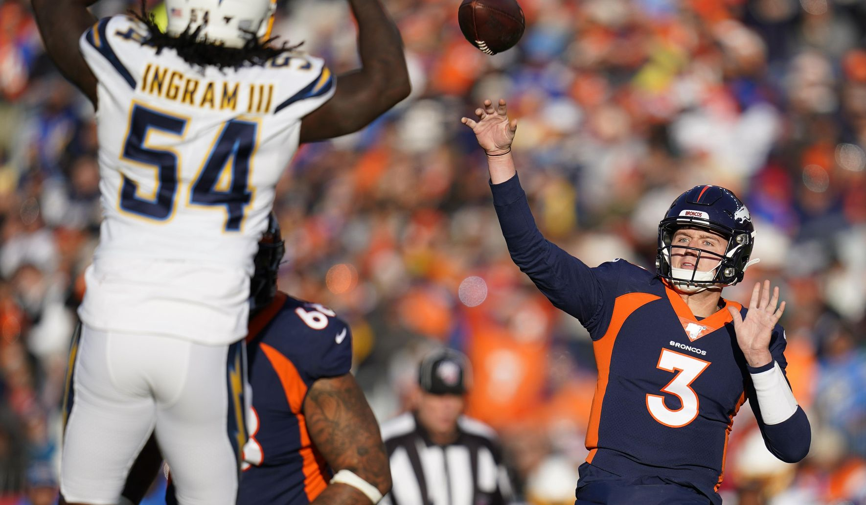 Chargers_broncos_football_13428_c0-177-4238-2647_s1770x1032