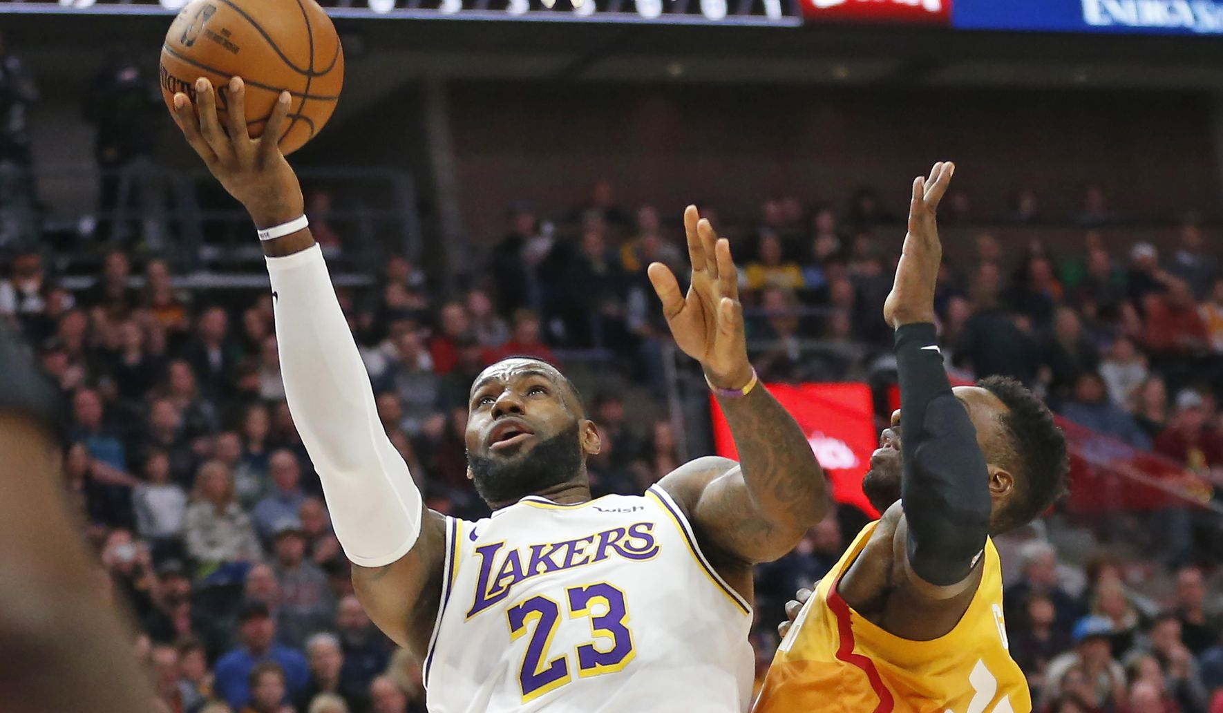 Lakers_jazz_basketball_18145_c0-226-5400-3374_s1770x1032