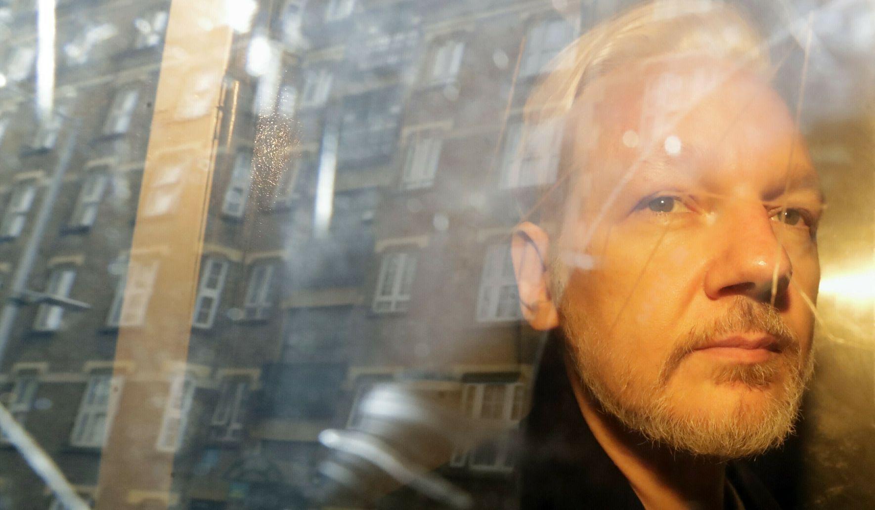 Doctors rip 'irresponsible' U.K. government for ignoring 'grave' concerns about Julian Assange