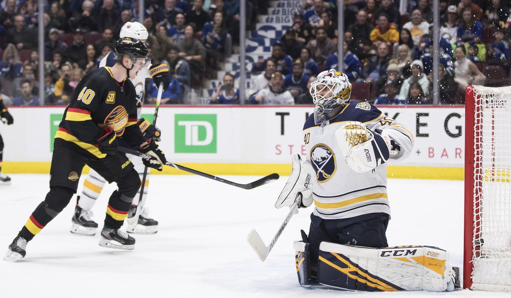 Sabres_canucks_hockey_18320_c0-272-5000-3187_s1770x1032
