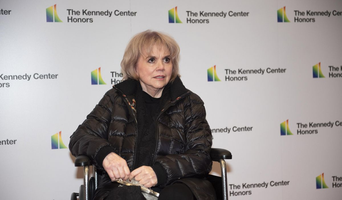 Linda Ronstadt, music icon: Trump is 'like Hitler and the Mexicans are the new Jews' - Washington Times