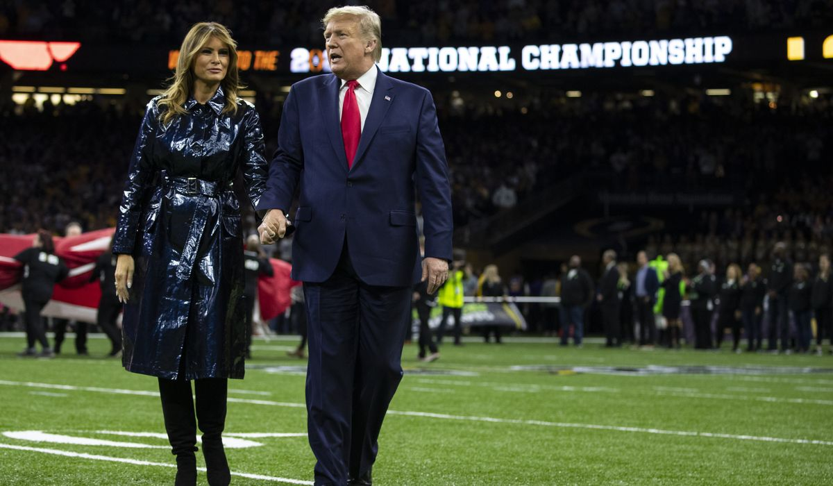 Donald Trump, Melania Trump cheered at National Championship game