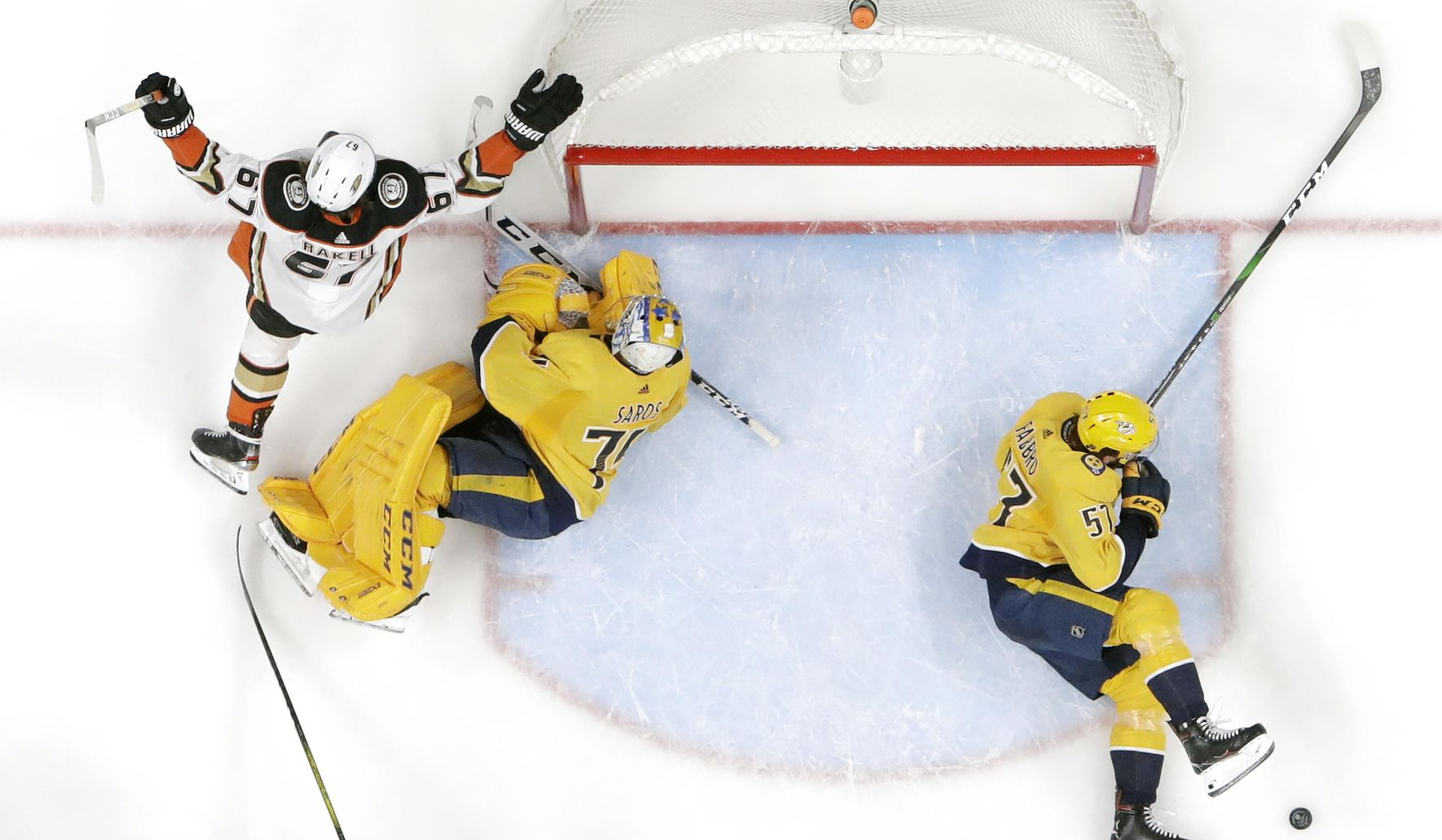 Ducks_predators_hockey_49107_c0-229-5472-3419_s1770x1032