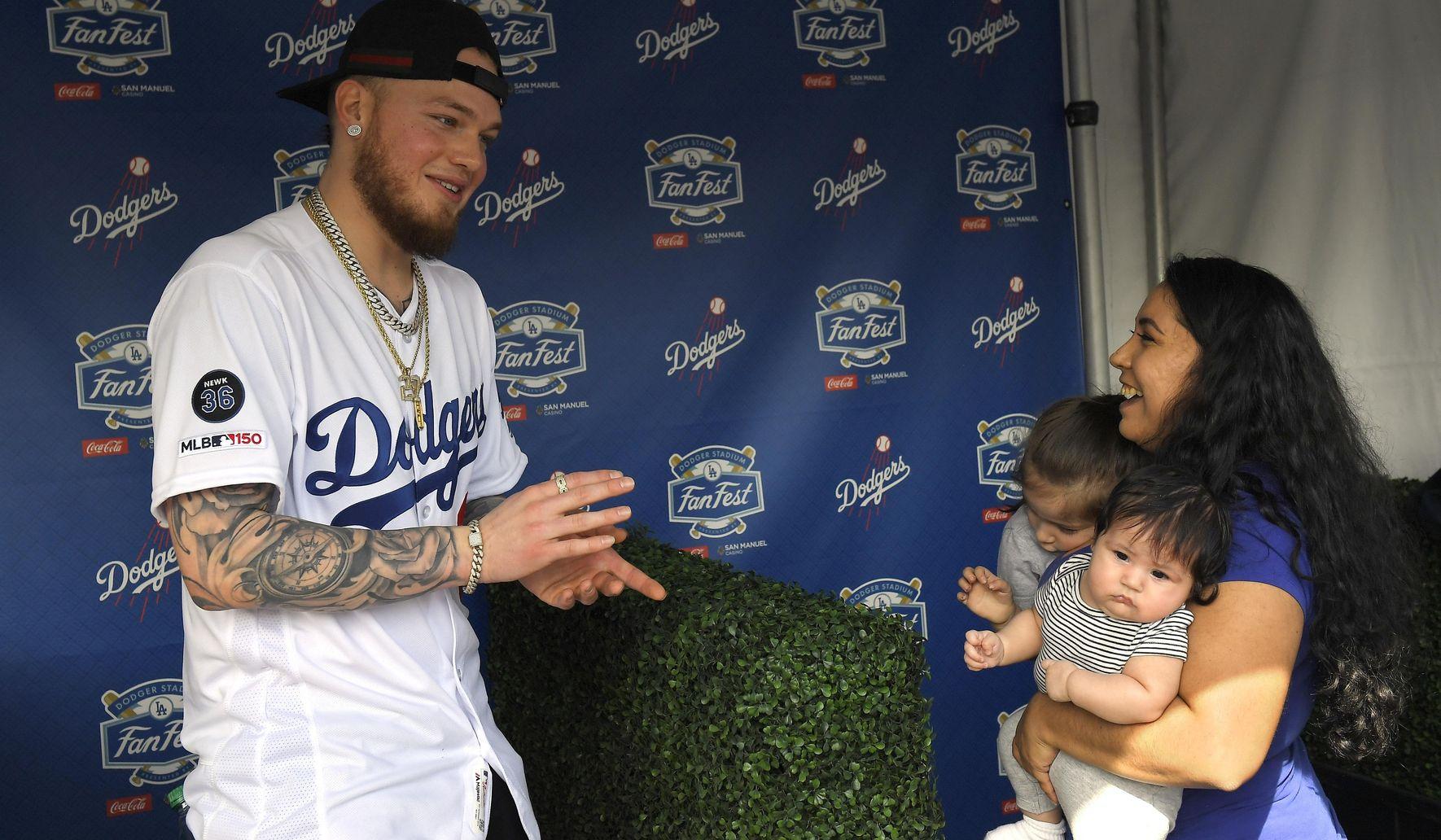 Dodgers_sign_stealing_baseball_10585_c0-200-4791-2993_s1770x1032