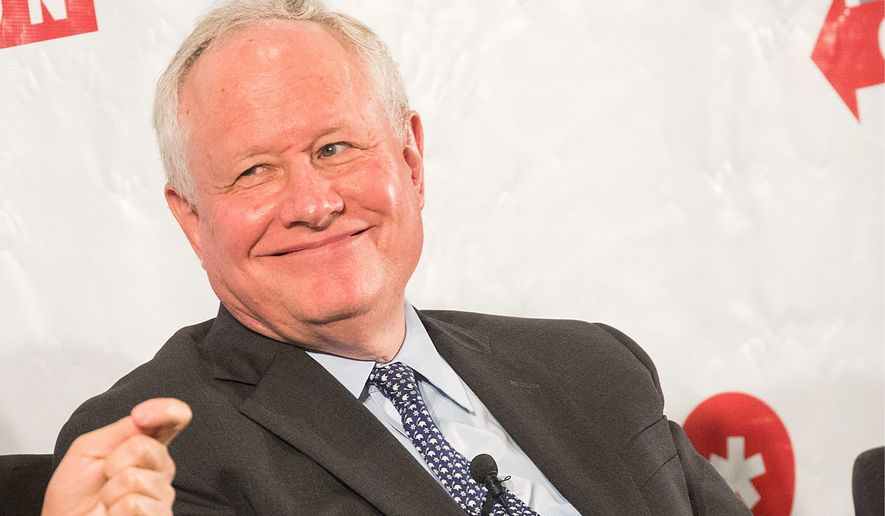 """Conservative commentator Bill Kristol is behind an outreach to voters in New Hampshire in favor of a """"responsible"""" Democratic alternative to President Trump. (Associated Press)"""