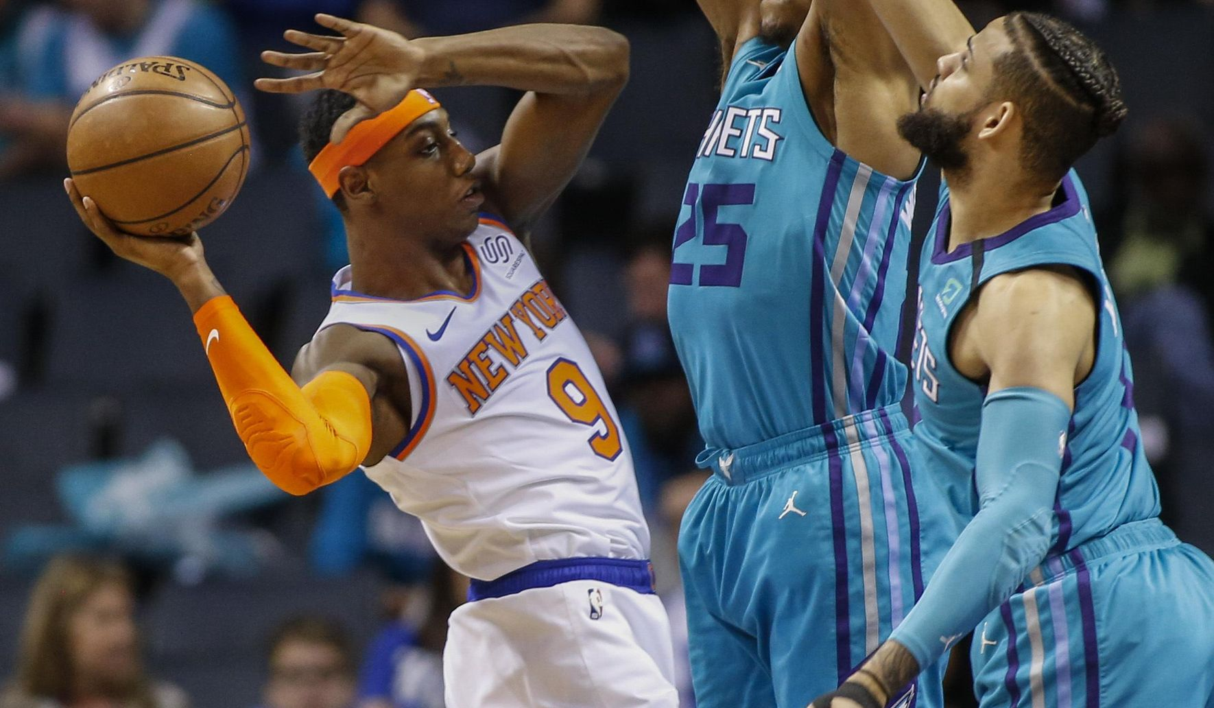 Knicks_hornets_basketball_27450_c0-1056-2304-2399_s1770x1032