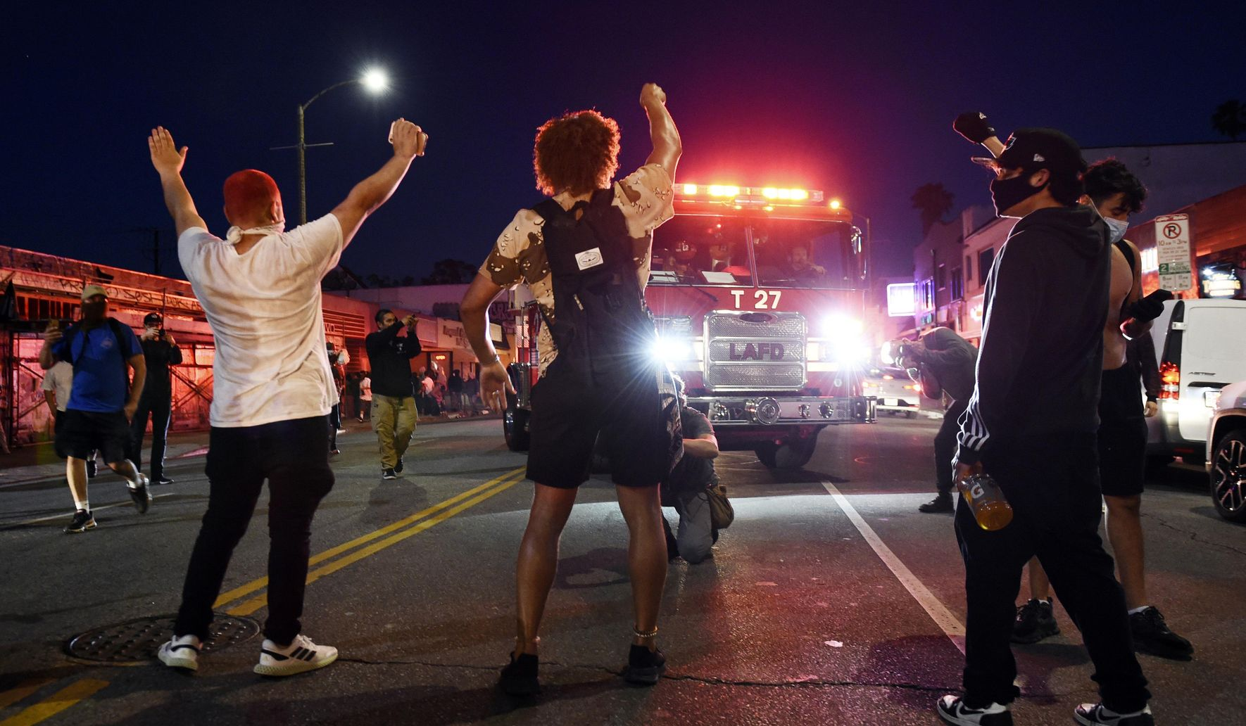 Image of article 'We're sick of it': Anger over police killings shatters US'
