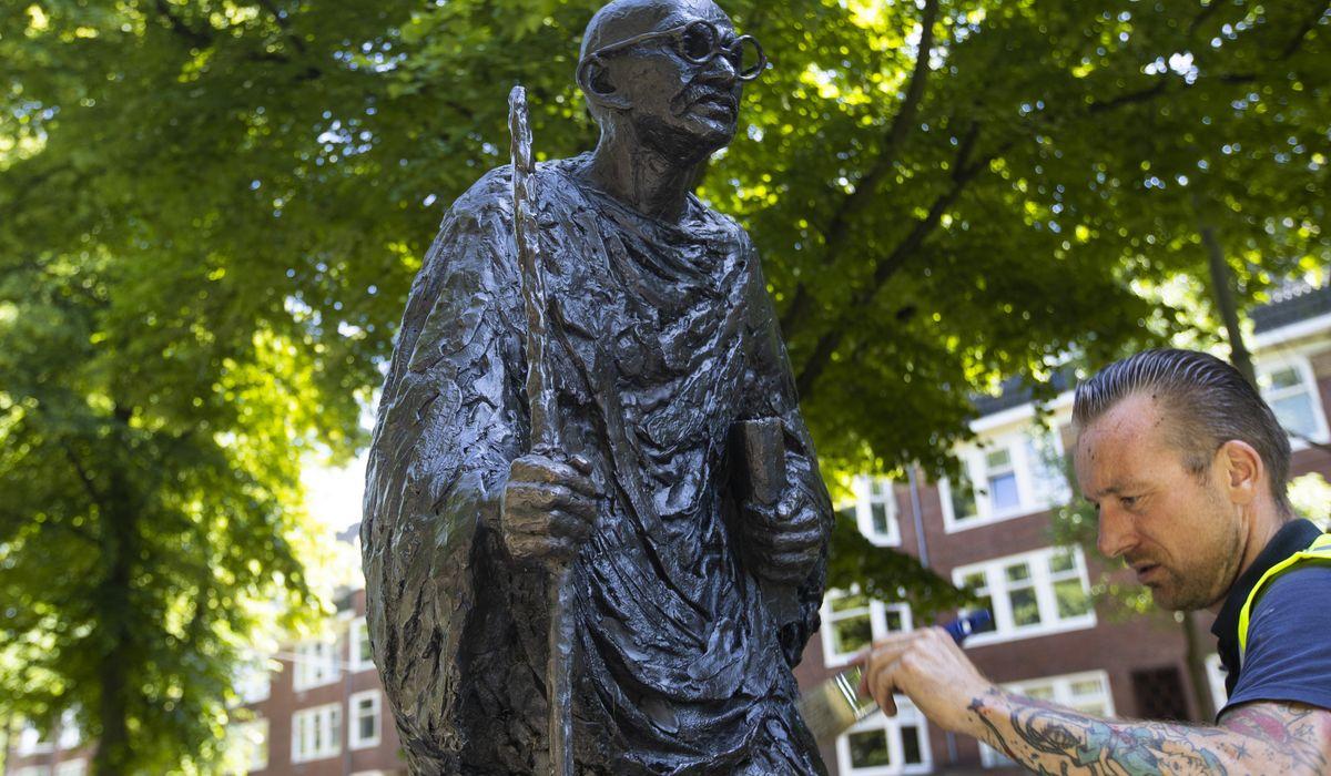 Gandhi statue under fire at Fresno State