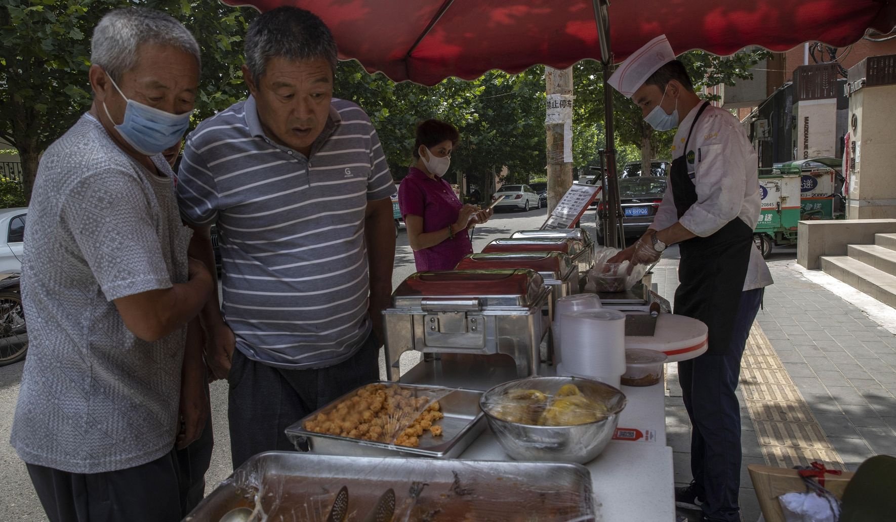 China reopens but businesses struggle to lure back consumers thumbnail