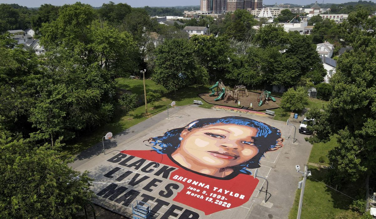 racial injustice taylor mural 92589 c0 167 4000 2500 s1200x700 jpg?309b4467e1f3a2a8ff765db9a91ebeb327dbd582.'