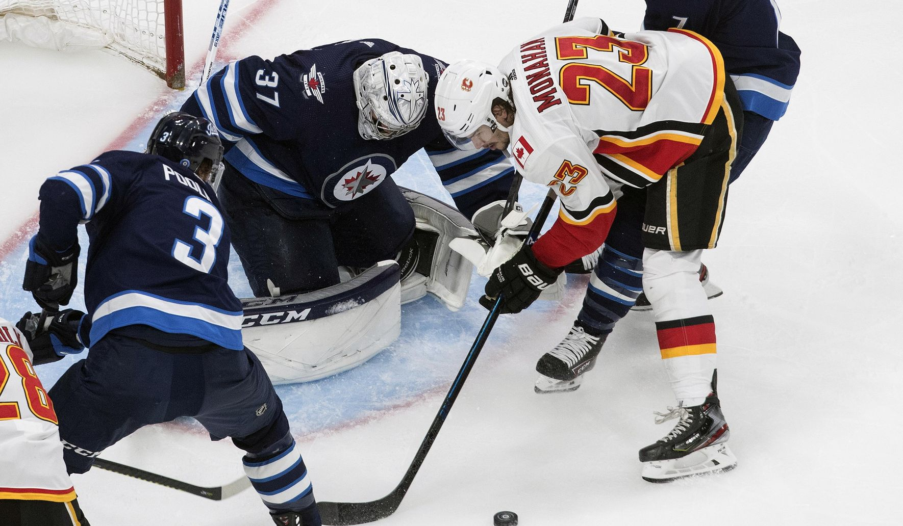 Flames_jets_hockey_33431_c0-214-4197-2661_s1770x1032