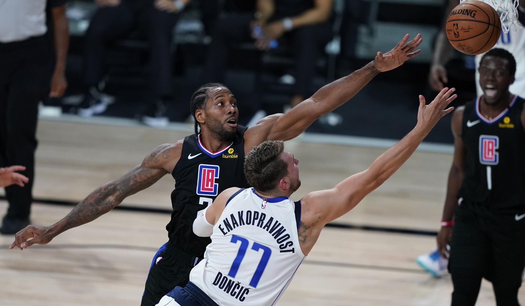 Aptopix_clippers_mavericks_basketball_14490_c0-96-4757-2869_s1770x1032