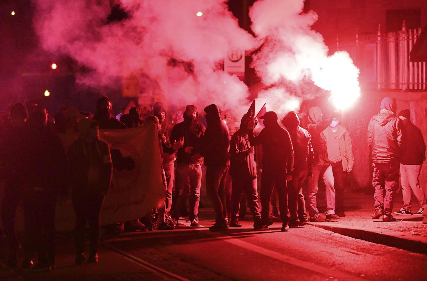 Germany: Protesters clash with police in city of Leipzig