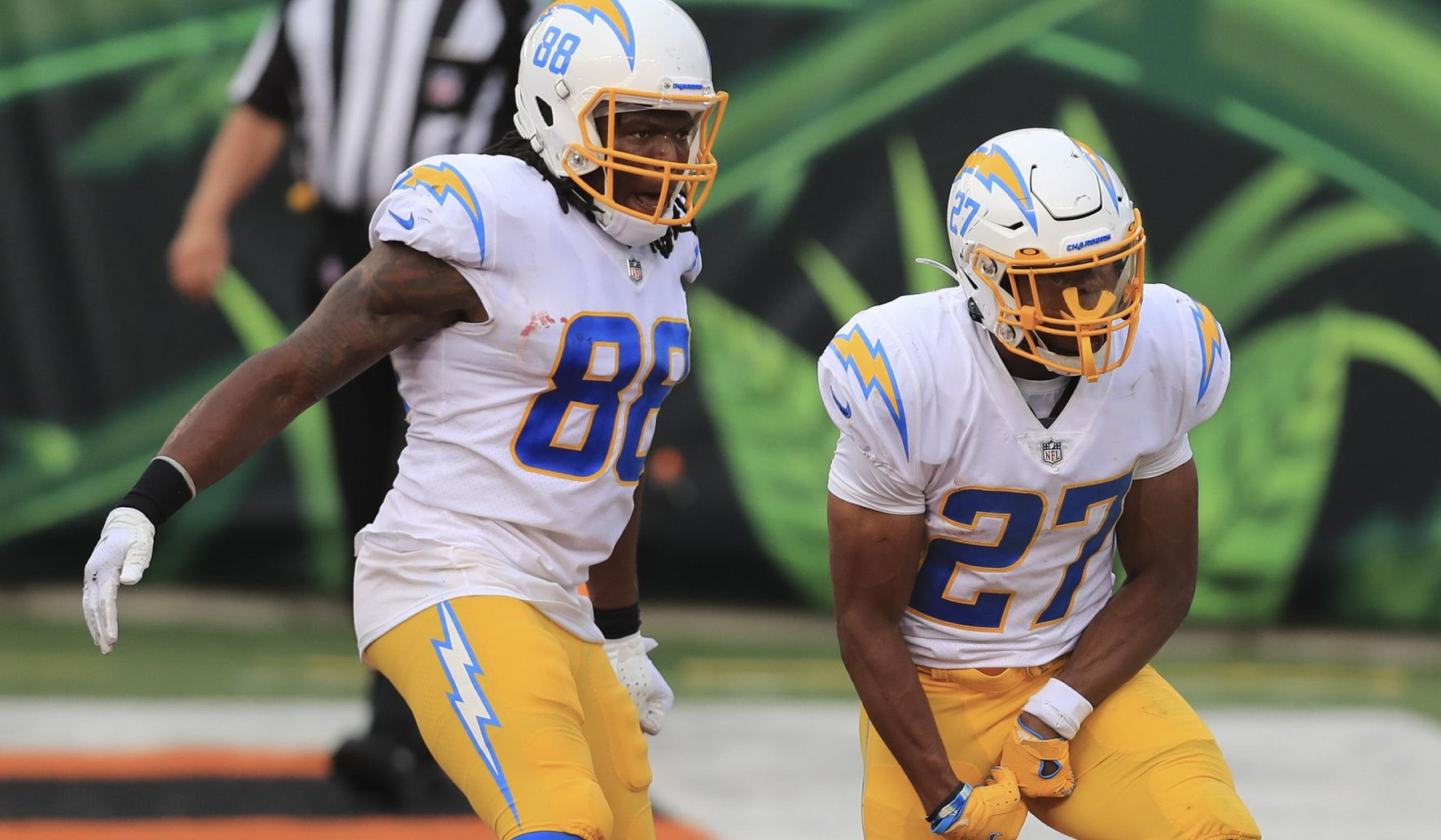Chargers_bengals_football_13223_c0-122-2879-1800_s1770x1032