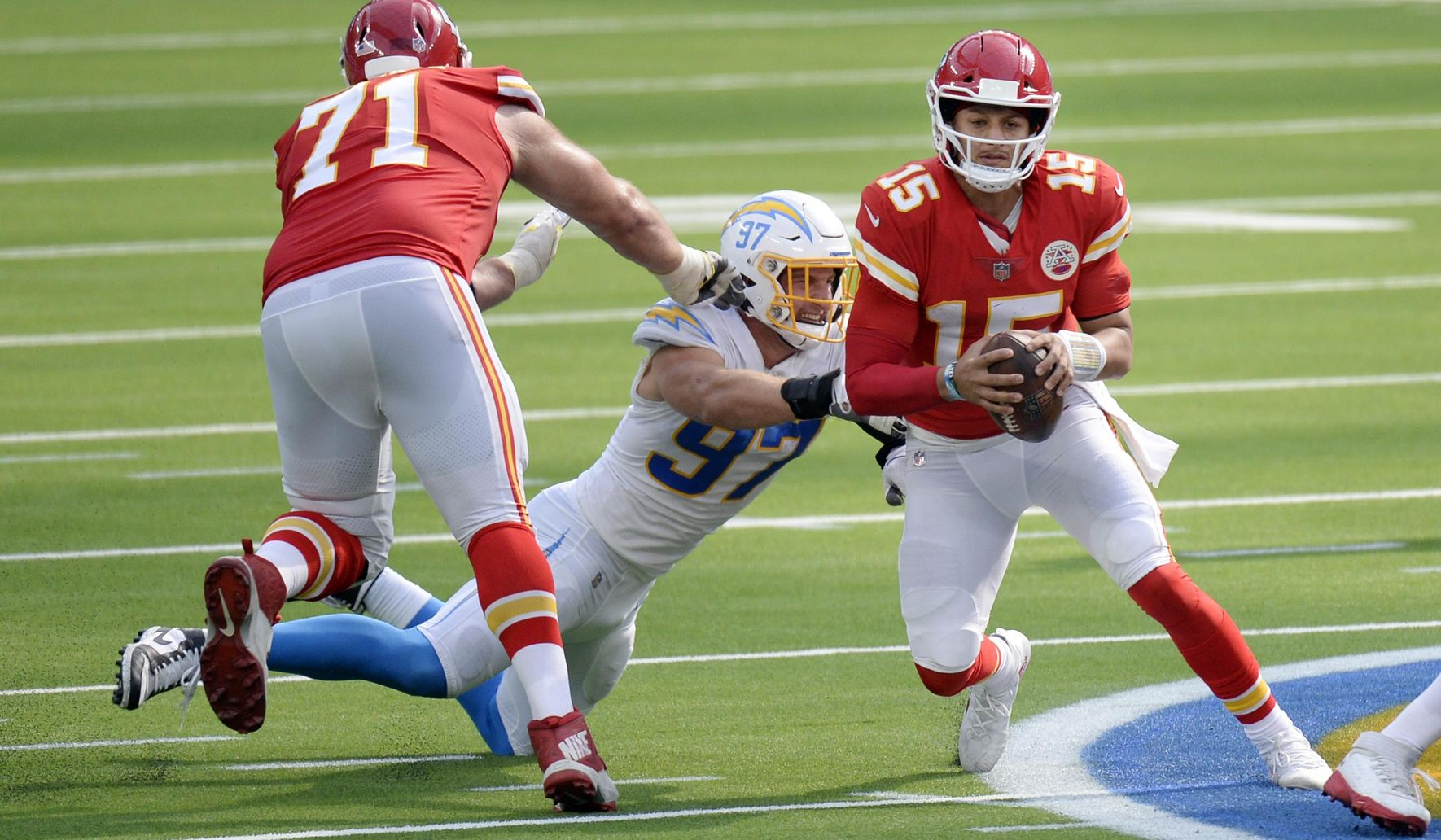 Chiefs_chargers_football_56577_c0-110-2656-1658_s1770x1032