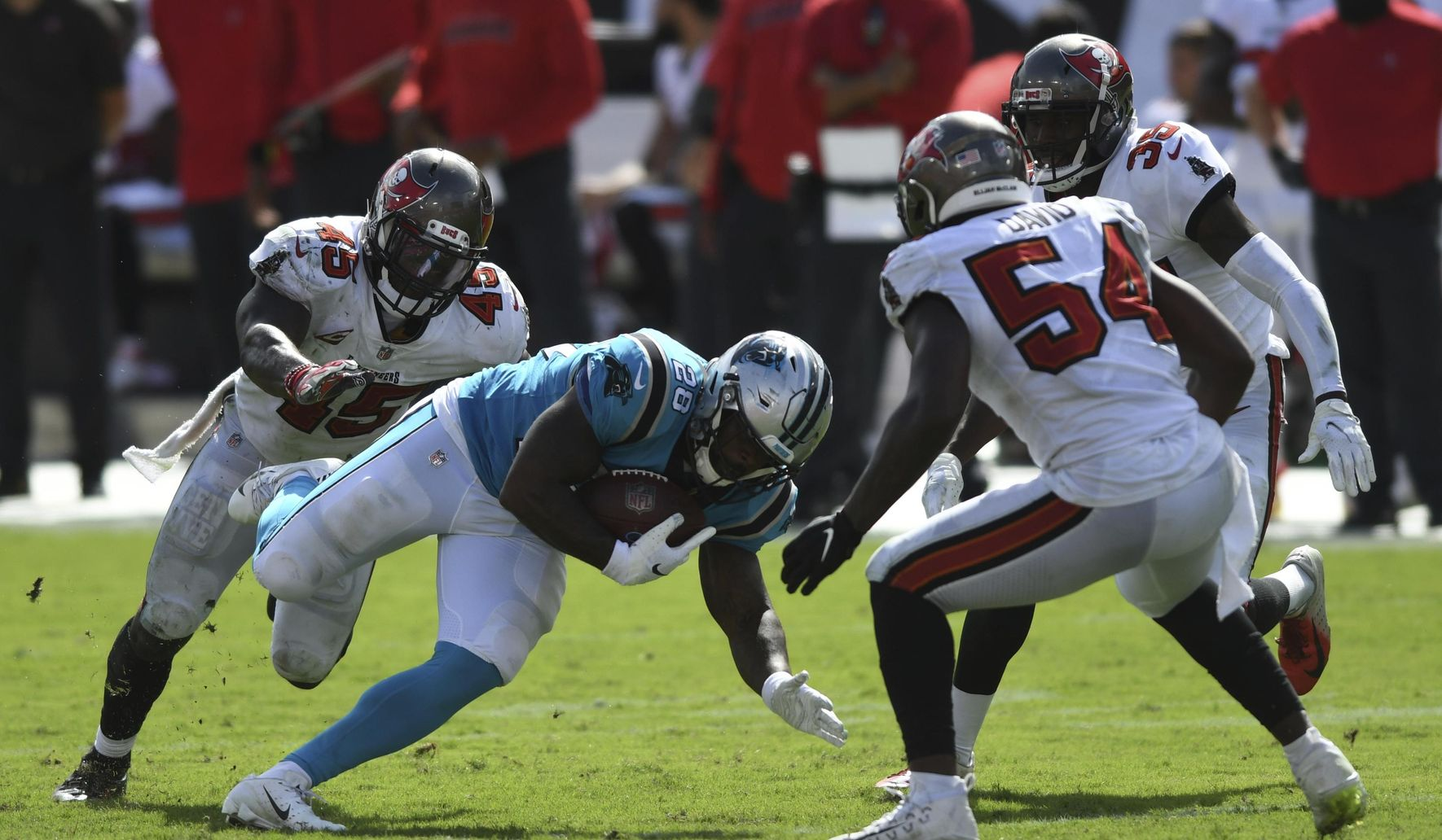 Panthers_buccaneers_football_51226_c0-152-3300-2076_s1770x1032