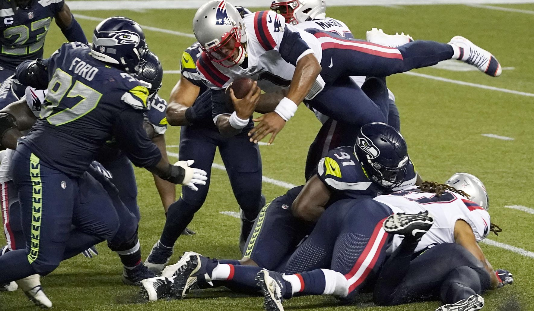 Patriots_seahawks_football_56238_c0-129-3080-1924_s1770x1032