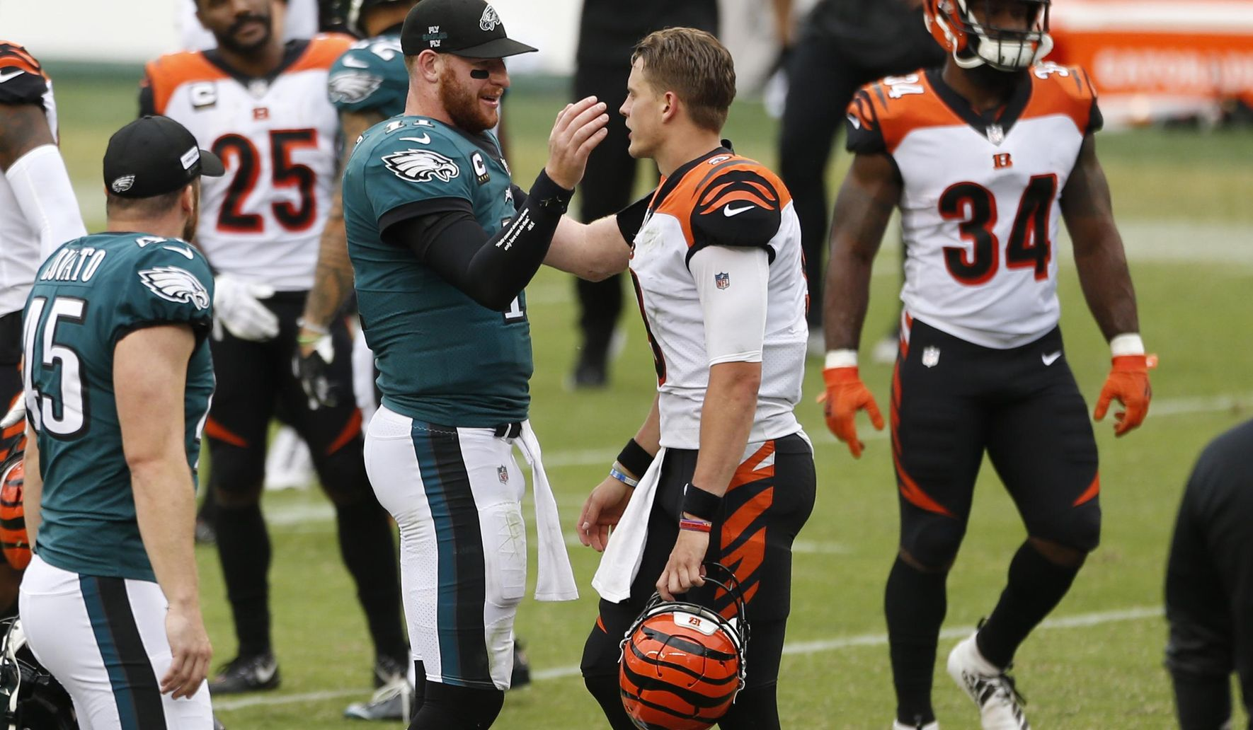 Bengals_eagles_football_73944_c0-107-2562-1600_s1770x1032
