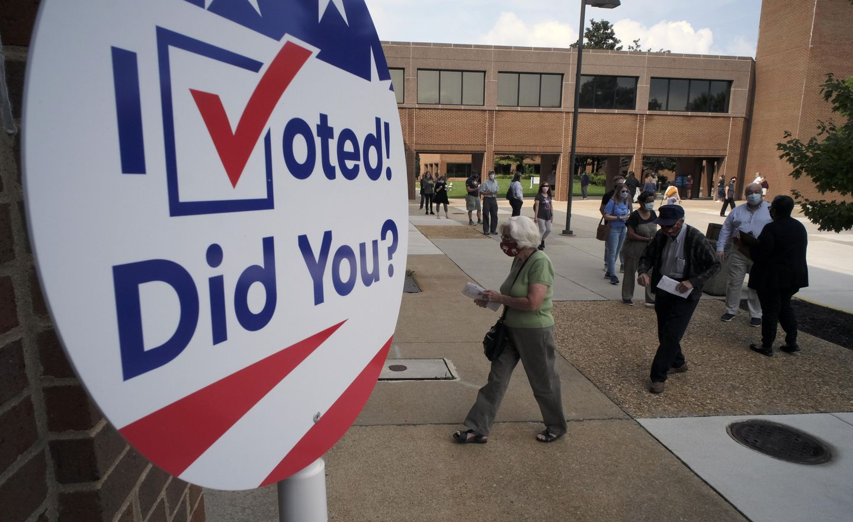 U.S. judge extends deadline for Virginia voter registration