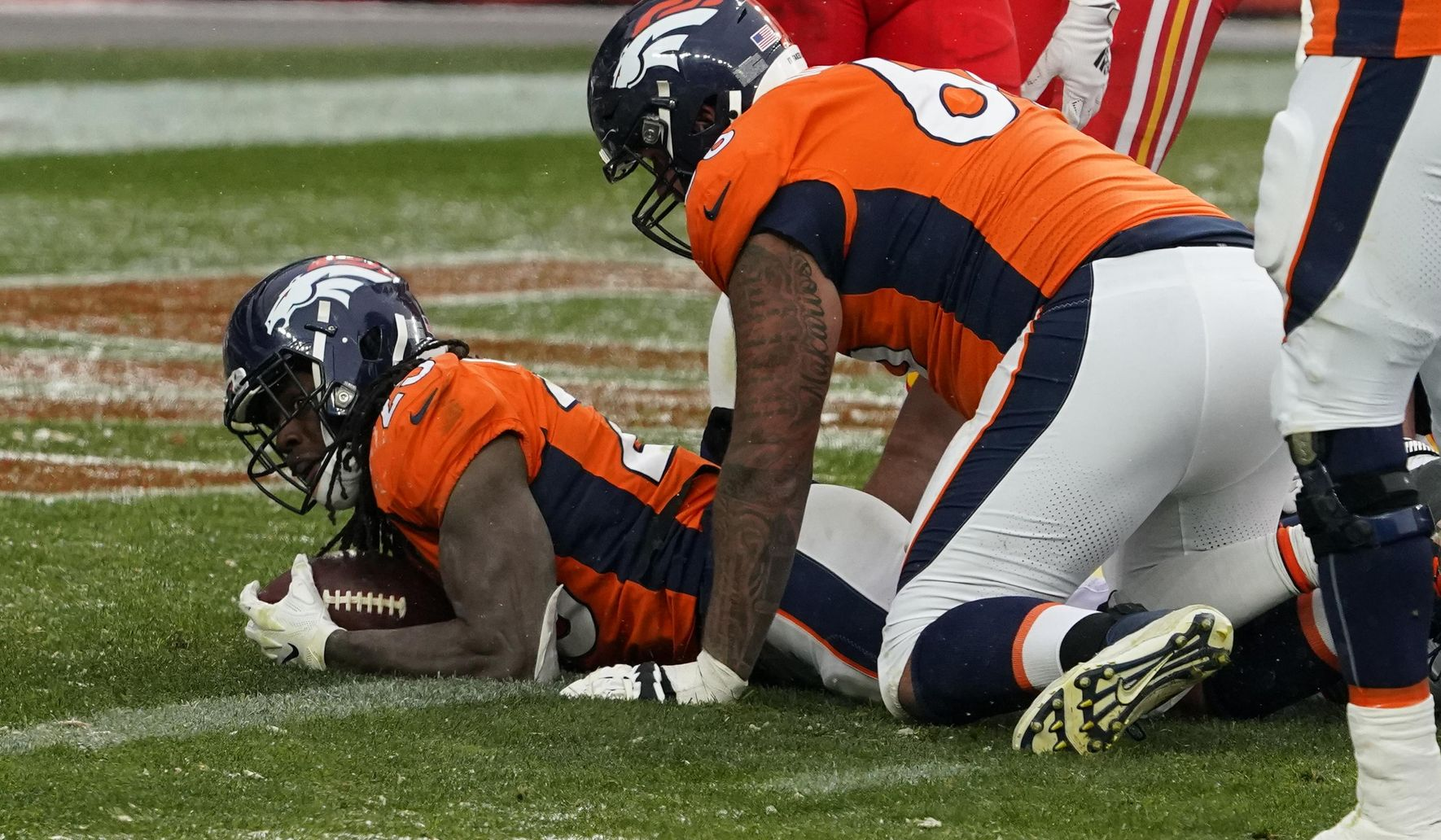 Chiefs_broncos_football_47798_c0-128-3046-1903_s1770x1032