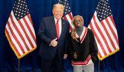 Lil Wayne meets with President Trump. (image via https://twitter.com/LilTunechi)
