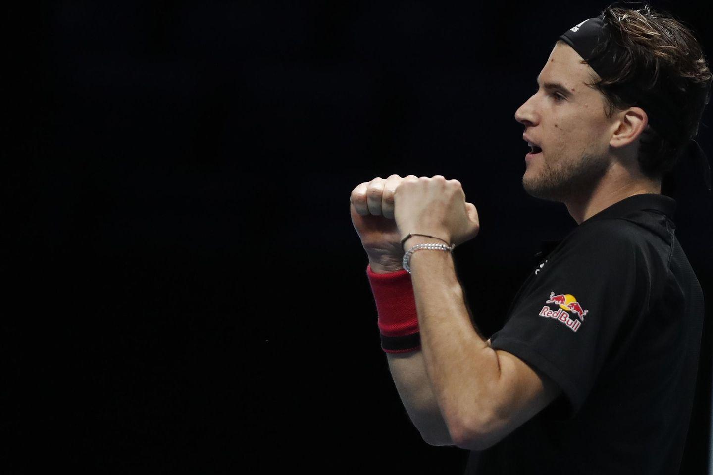 Thiem gets past Djokovic in 3-set semifinal at ATP Finals