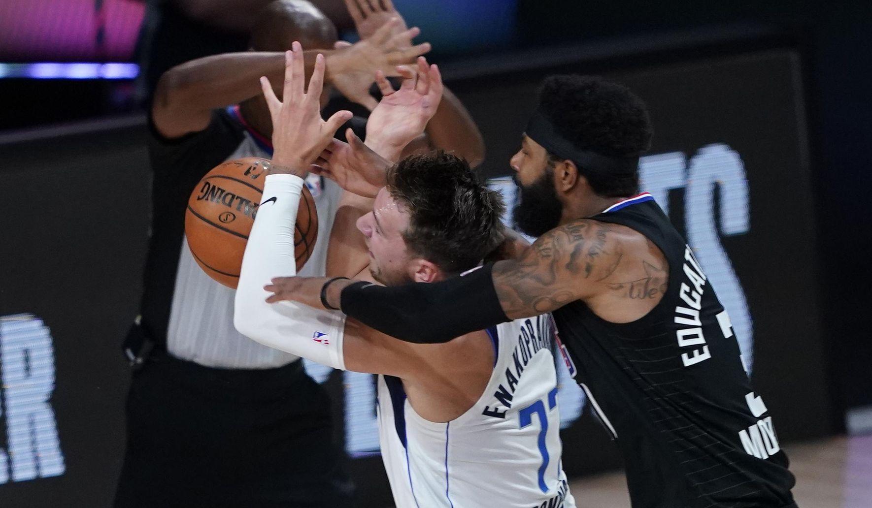 Mavericks_talking_tough_basketball_75819_c0-127-2306-1471_s1770x1032