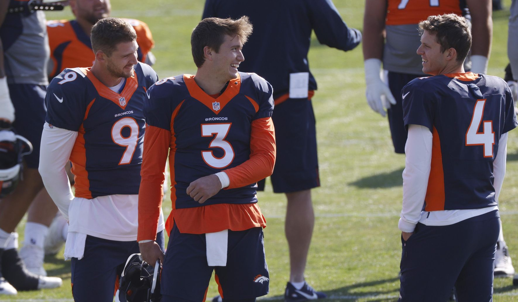 Broncos_qbs_return_football_99604_c0-193-4951-3079_s1770x1032