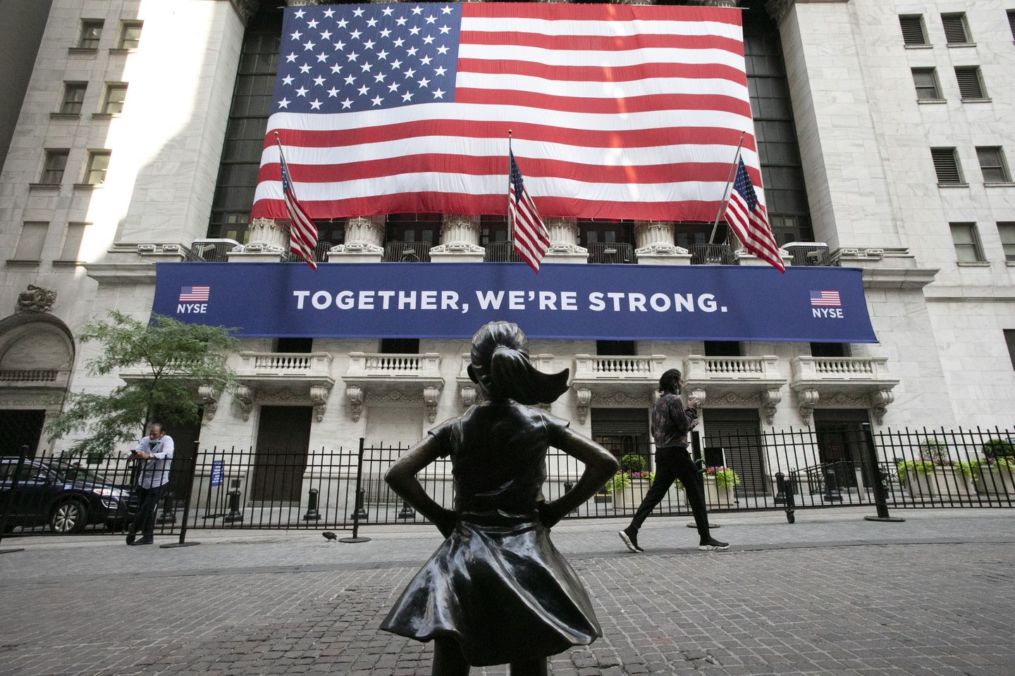New York Stock Exchange delisting 3 Chinese companies under Trump executive order