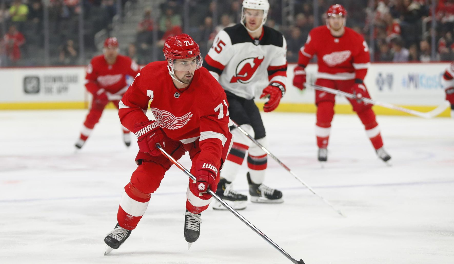 Red_wings_preview_hockey_09327_c0-125-3000-1874_s1770x1032