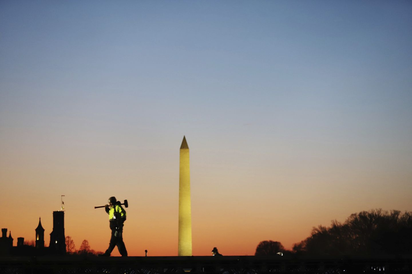 National Mall closed through Inauguration Day but demonstrations allowed, Park Service announces