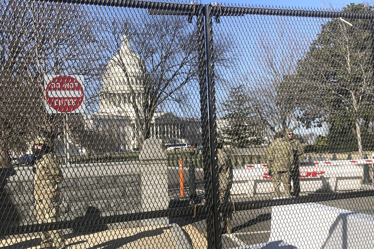 Armed soldiers patrol D.C. amid heightened security